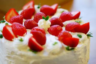 Kue Strawberry Ring Cake