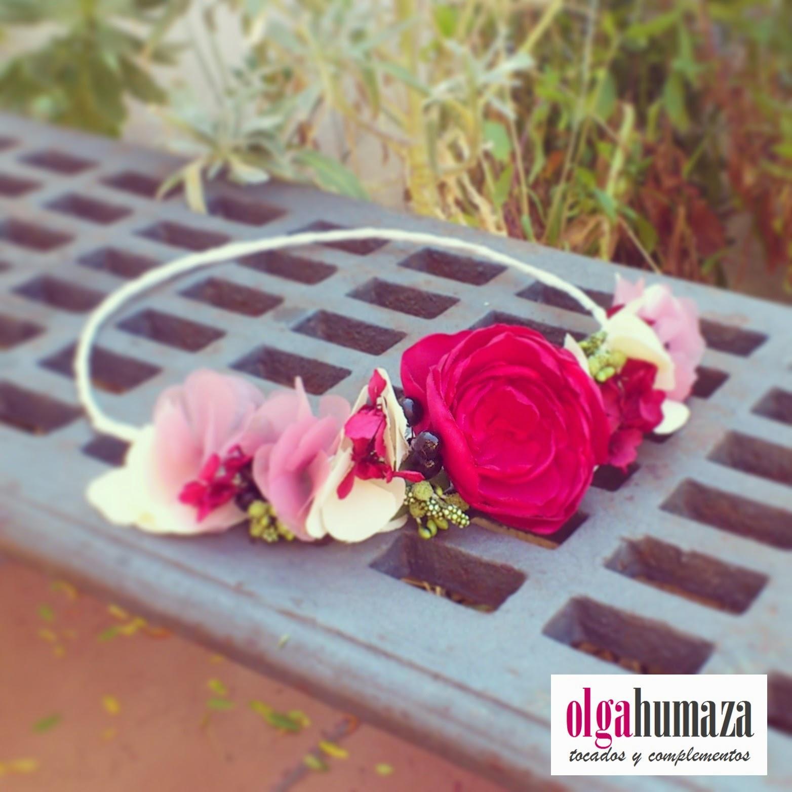 http://olgahumaza.blogspot.com.es/2014/09/b69-tocado-corona-de-flores-frontal-en.html