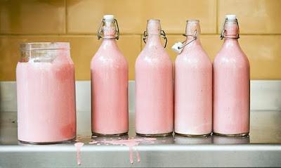 Su Aygırlarının Sütü Neden Pembedir?, Su aygırı sütü, su aygırı sütü içilir mi?, Su aygırının sütü ne renktir?