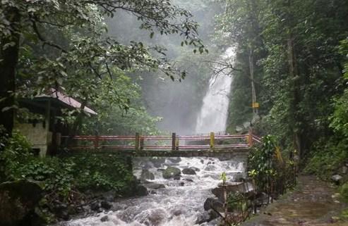 Air Terjun Kakek Bodo Pasuruan Legenda Lokasi Tiket Masuk