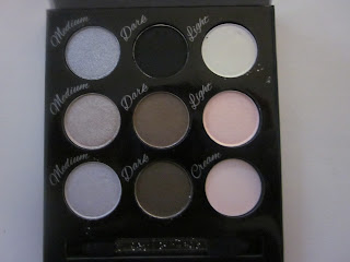 Collection Smokey Eye Palette Open