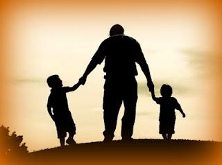 ayah dan 2 anaknya