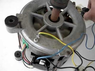 Motore di lavatrice usato per il fai da te