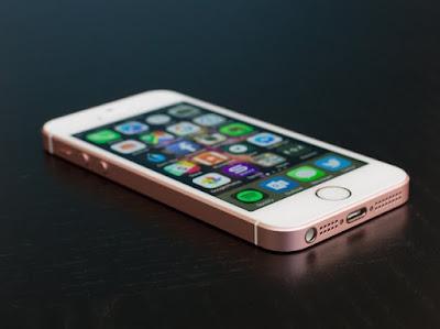 Smartphone Paling Top di Seluruh Dunia - iPhone SE