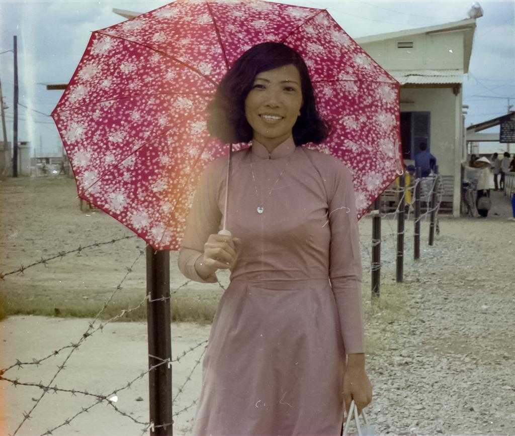 24 glamorous photos capture beautiful girls of saigon vietnam in