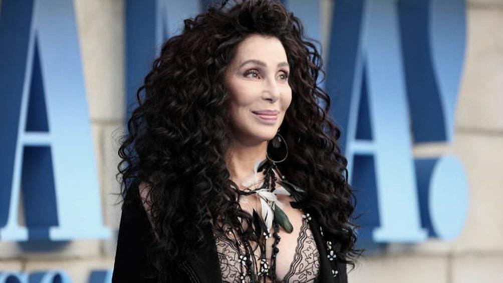 Cher versiona el clásico de ABBA Chiquitita en español a beneficio de Unicef