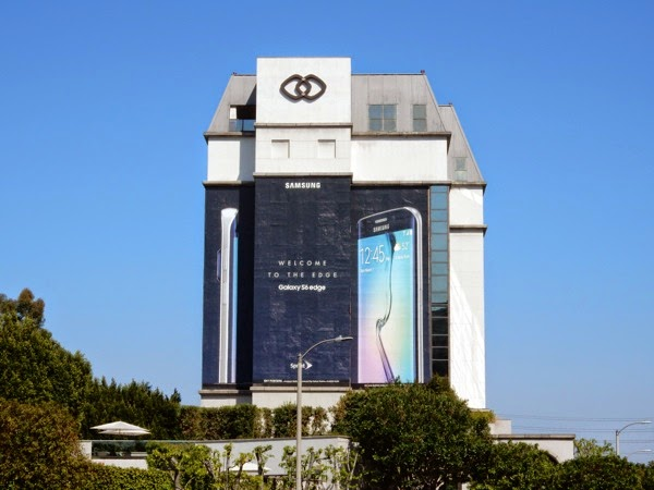 Giant Samsung Galaxy S6 Edge billboard