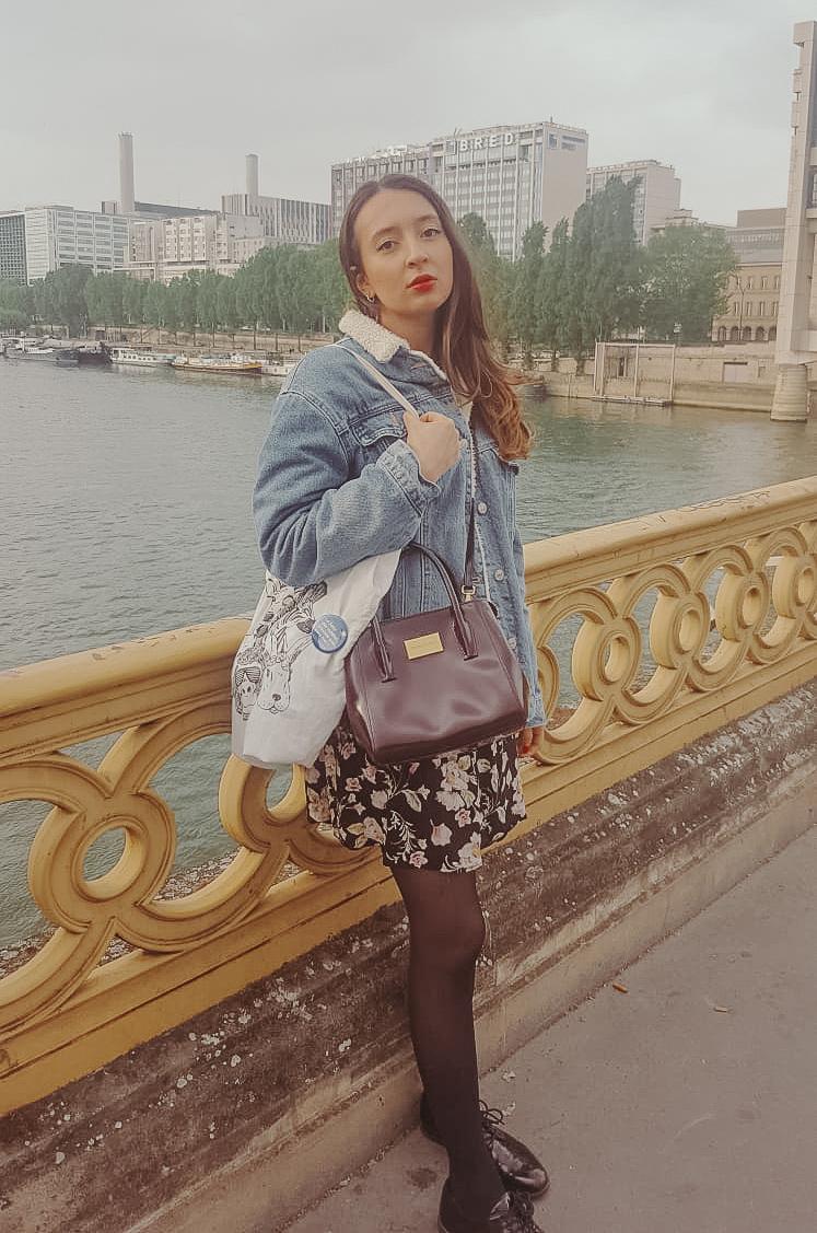 tenue de printemps à paris