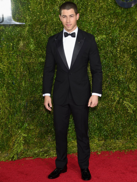 nick jonas tuxedo tony awards 2015 louis vuitton