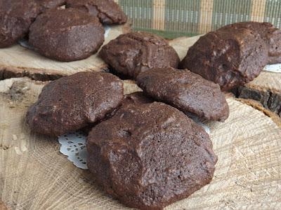 Hajdinalisztes triplacsokoládés keksz (gluténmentes)