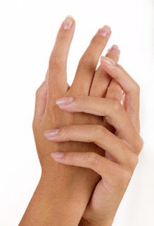 FIFTEEN_MIINUTES_WITH_YOU_woman_hands_web Cosmetic surgeons can dial back the hands of timeDermal Fillers Hand Rejuvenation