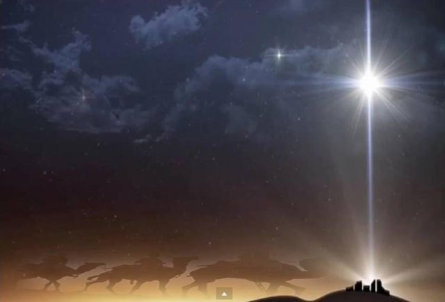Falling Down A Portal Wallpaper After 2000 Years The Star Of Bethlehem Graces The Night
