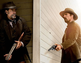 Ethan Hawke, John Travolta, terra violenta, in the valley of violence