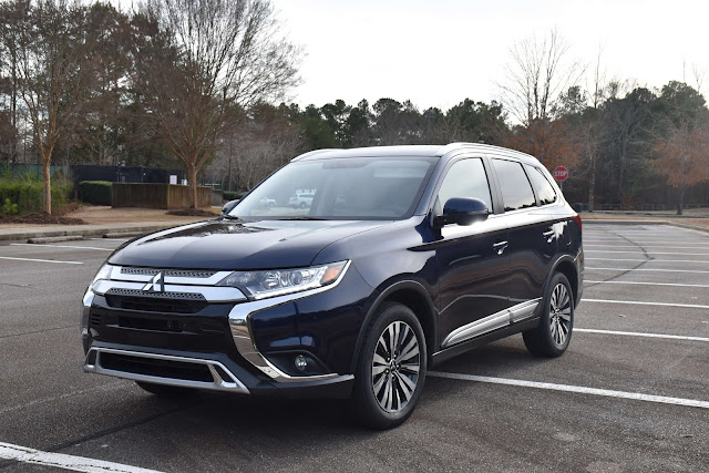 Be Financially Responsible this Year by Purchasing 2019 Mitsubishi Outlander   via  www.productreviewmom.com