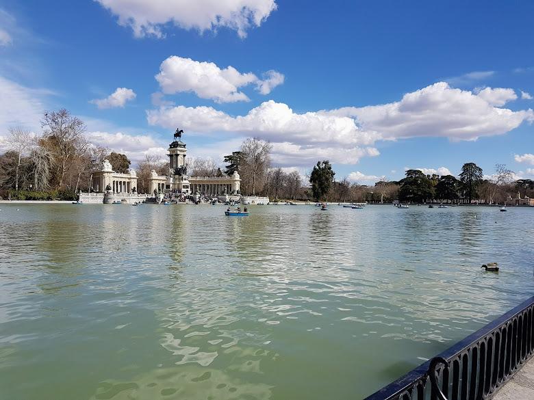 麗池公園內的池塘
