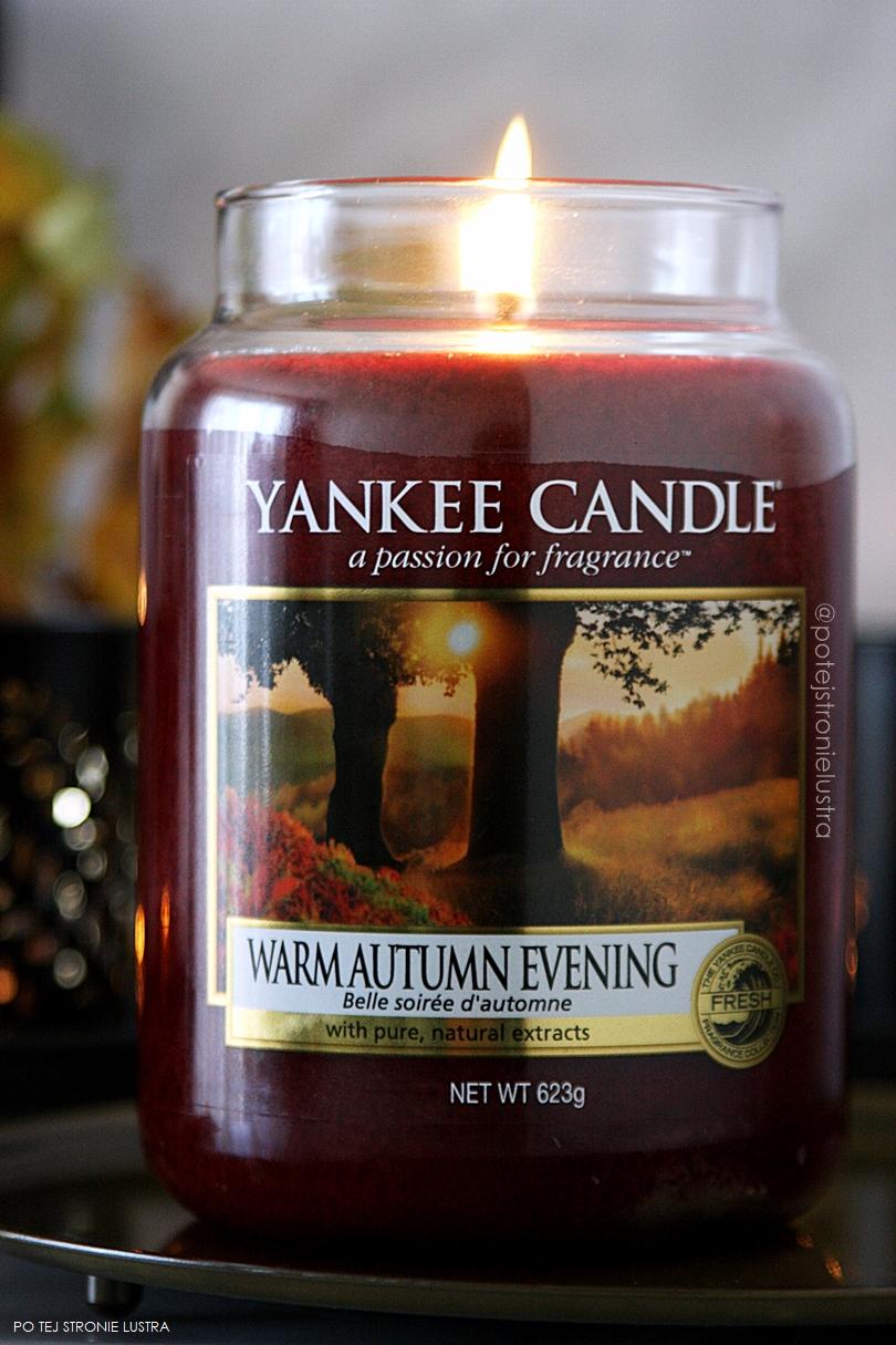 jesienna świeca zapachowa yankee candle warm autumn evening