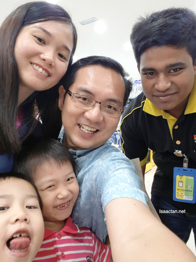 A wefie, with Mr Diy shop's staff