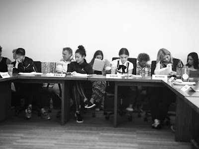 PLL bts table read 7x15 Ashley Benson, Shay Mitchell, Lucy Hale and Sasha Pieterse