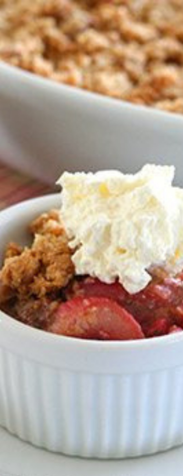 Rhubarb Crisp – Low Carb and Gluten-Free #LowCarb #Gluten-Free