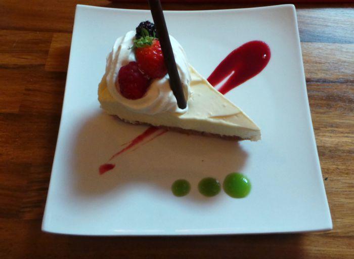 Red lion lemon cheesecake