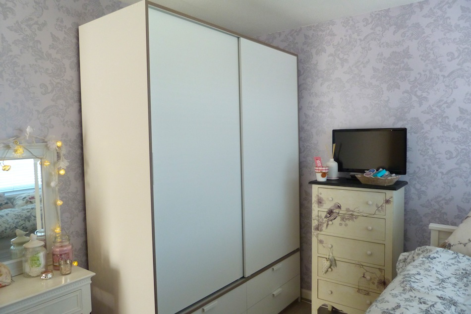 ikea trysil wardrobe problems. Black Bedroom Furniture Sets. Home Design Ideas