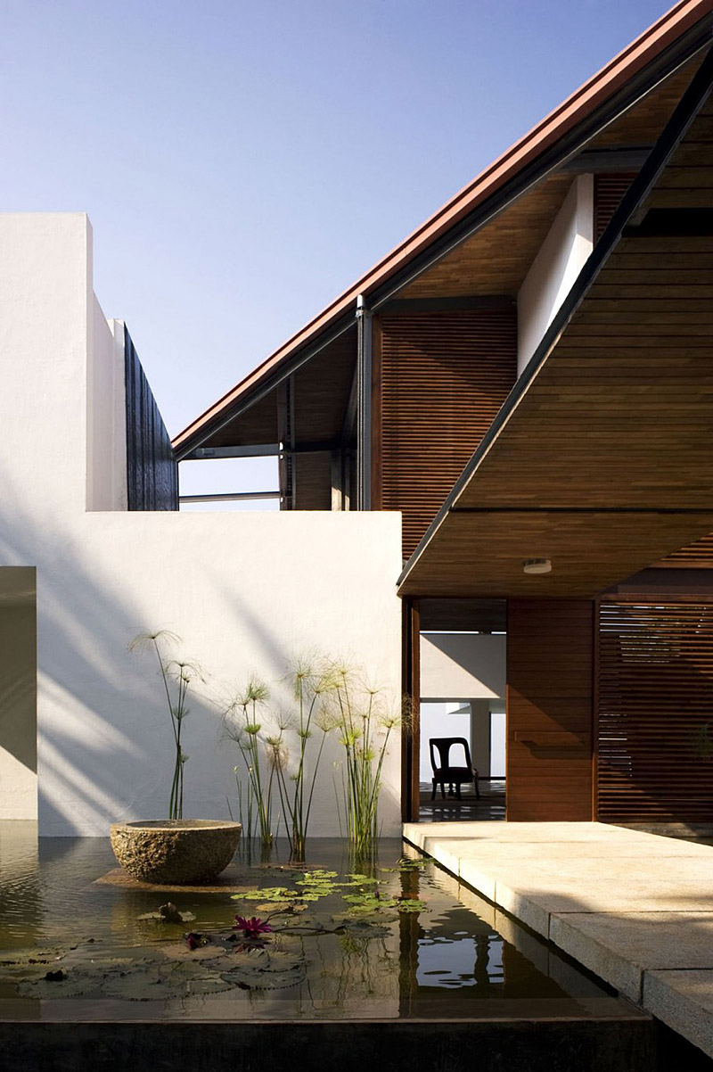 Modern luxury home in india boasts an enormous infinity for Angular 1 architecture