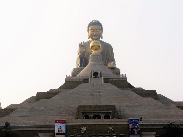 buddha statue fo guang shan buddha memorial kaohsiung taiwan