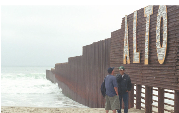 El Pentágono enviará 800 soldados a la frontera ante eventual llegada de caravana migrante