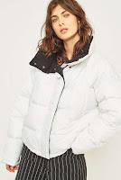 https://www.urbanoutfitters.com/en-gb/shop/light-before-dark-contrast-lining-white-puffer-jacket?category=puffer-jackets&color=010