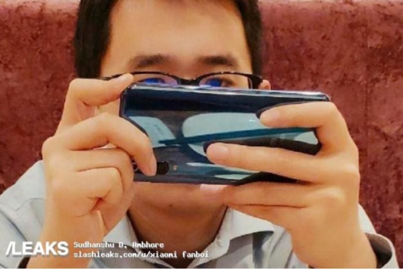 صورة : هاتف شاومي Mi 9 سيأتي بثلاثة كاميرات