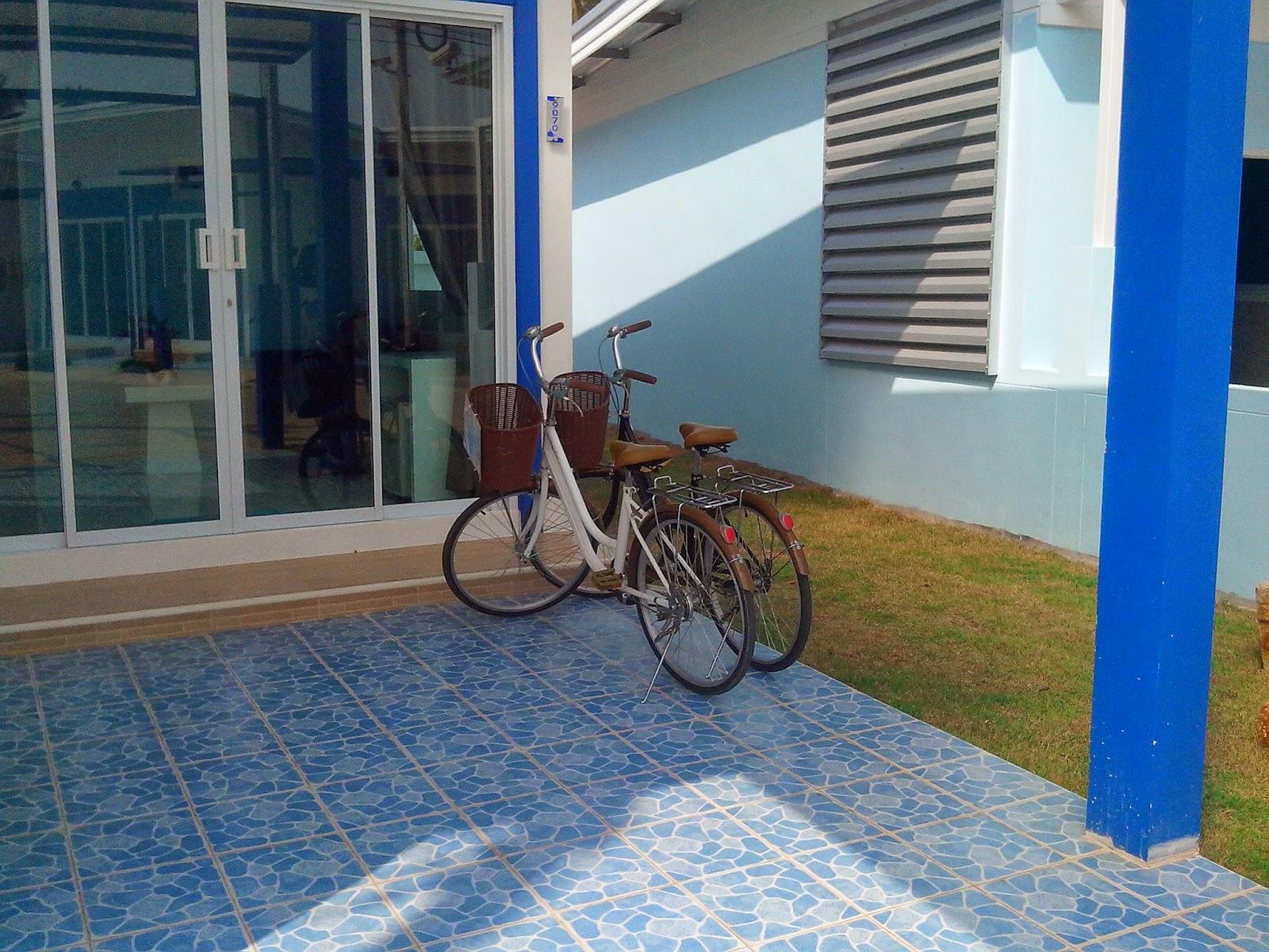 Прогулочных два велосипеда