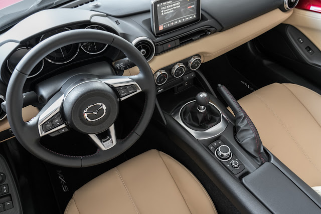 Interior view of 2017 Mazda MX-5 Miata Grand Touring RF