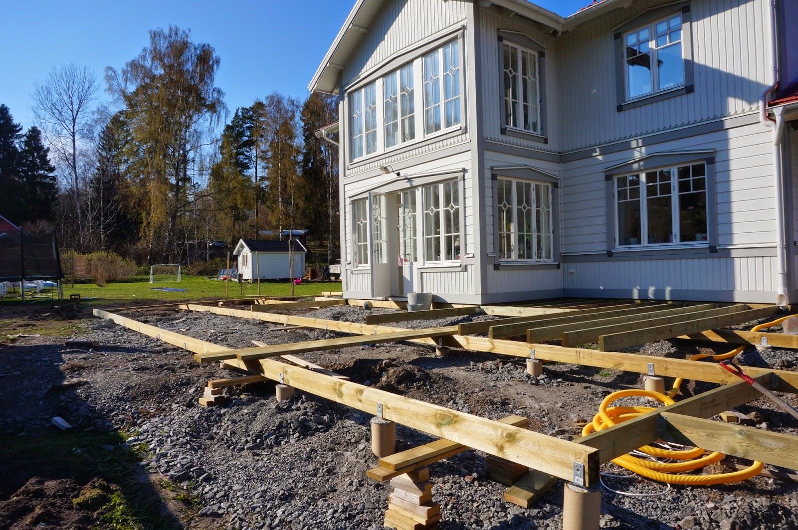 Skärgårdsvillan: altanen står på tur äntligen.