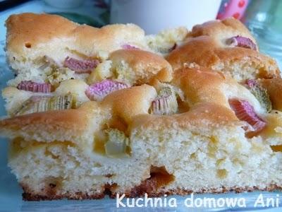 http://kuchnia-domowa-ani.blogspot.com/2012/05/ciasto-drozdzowe-z-rabarbarem.html