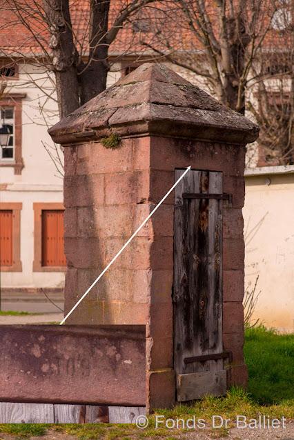 Neuf-Brisach — pompe-abreuvoir n° 109
