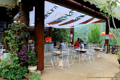 The Lodge Maribaya, Lembang cafe the pines