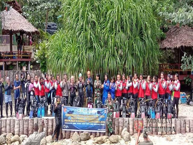 Siap Pecahkan Rekor MURI, Tim Penyelam Wanita dari Kodam dan Polda Latihan