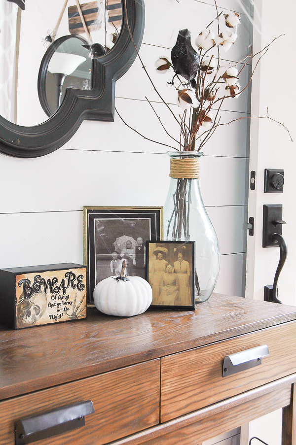 Easy DIY Halloween decor and faux painted pumpkins