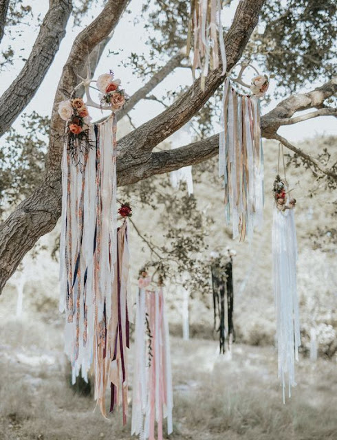 Decoración de bodas con atrapasueños - Foto: www.greenweddingshoes.com