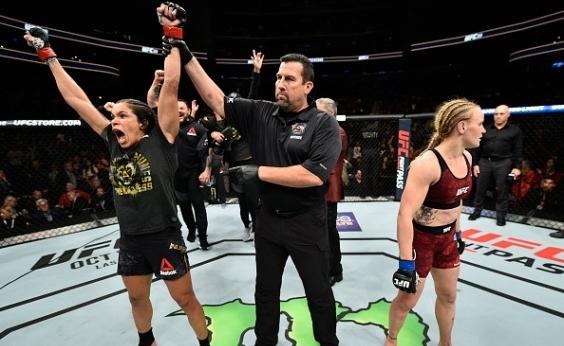 UFC: Amanda Nunes vence Valentina Shevchenko e mantém cinturão