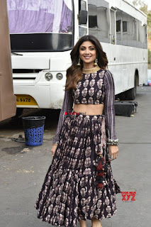 Shilpa Shetty and Raani Mukherjee Looks Gorgeous ~ Exclusive Galleries