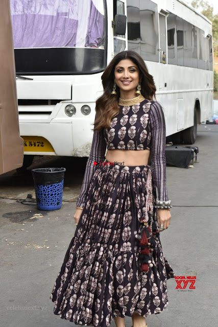Shilpa Shetty and Raani Mukherjee Looks Gorgeous ~  Exclusive Galleries 001.jpg