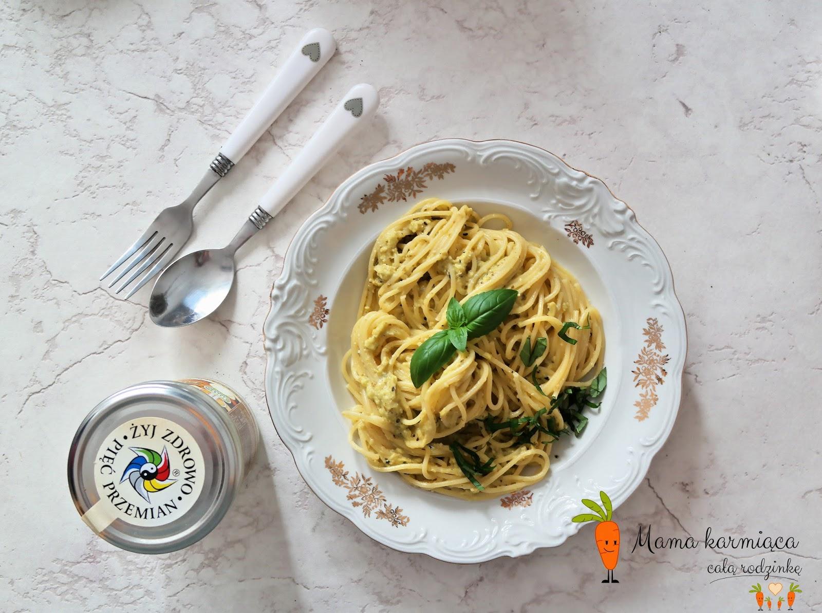 Spaghetti w sosie serowo - bazyliowo - kokosowym