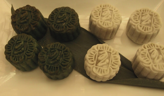 peony jade mooncakes