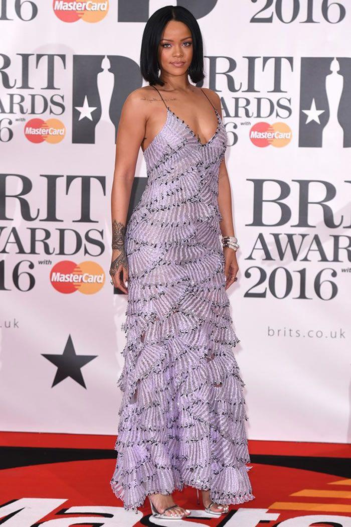 2016 Brit Awards Red Carpet