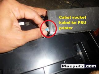 mencopot socket psu