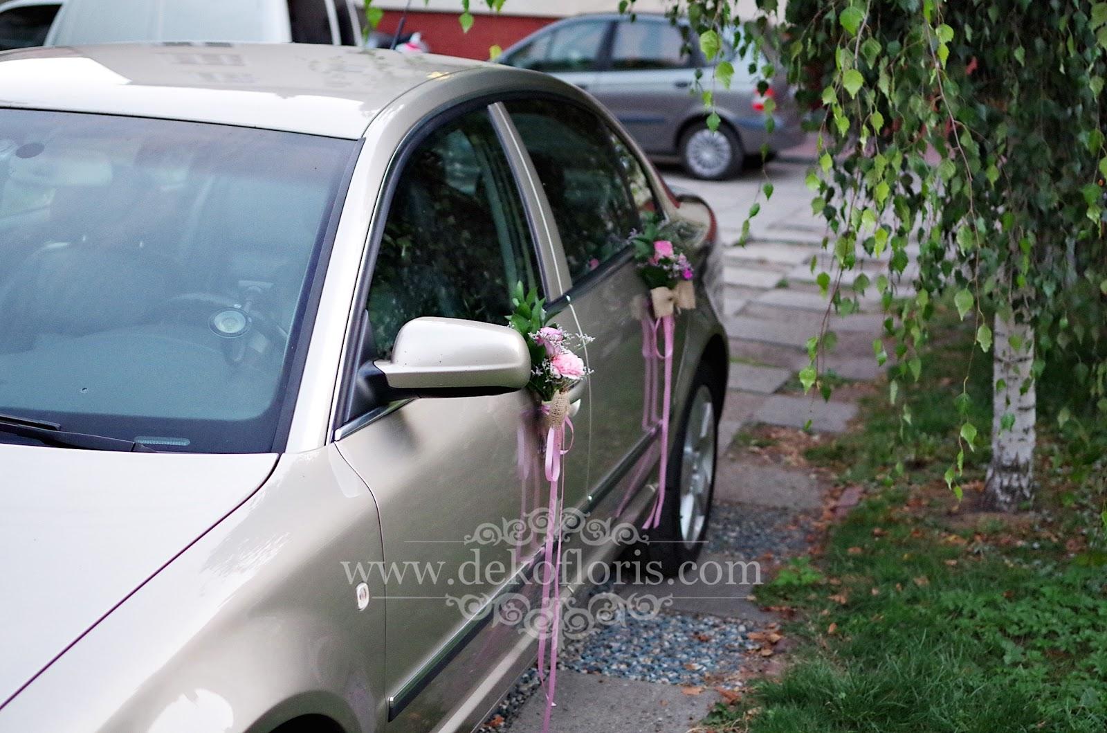 Dekoracja ślubnego samochodu w stylu rustykalnym