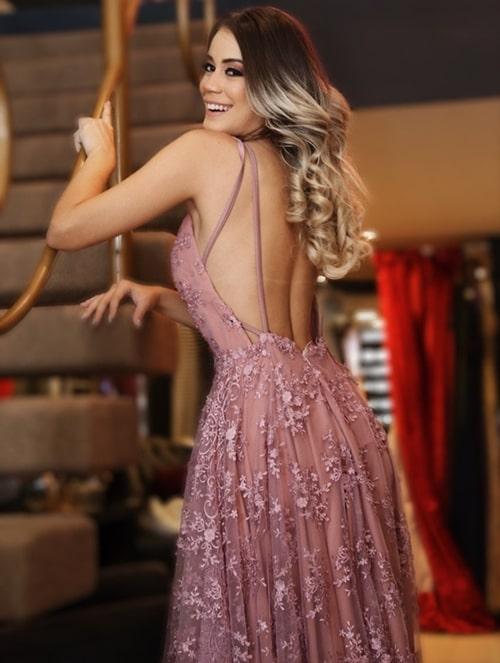 vestido de festa longo rosa com decote nas costas