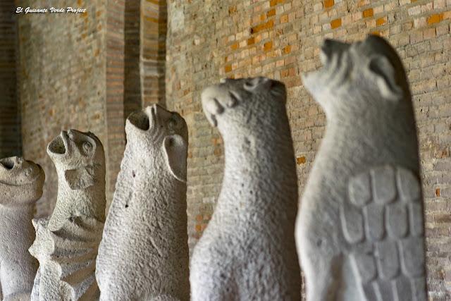 Gárgolas Aulladoras - Museo de los Agustinos de Toulouse por El Guisante Verde Project