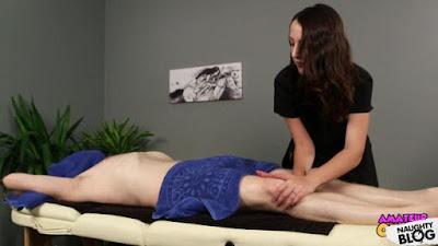Amateur CFNM - Liz Rainbow: Oral Massage (2019/FULLHD)